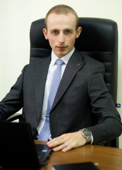адвокат, член Національної асоціації адвокатів України